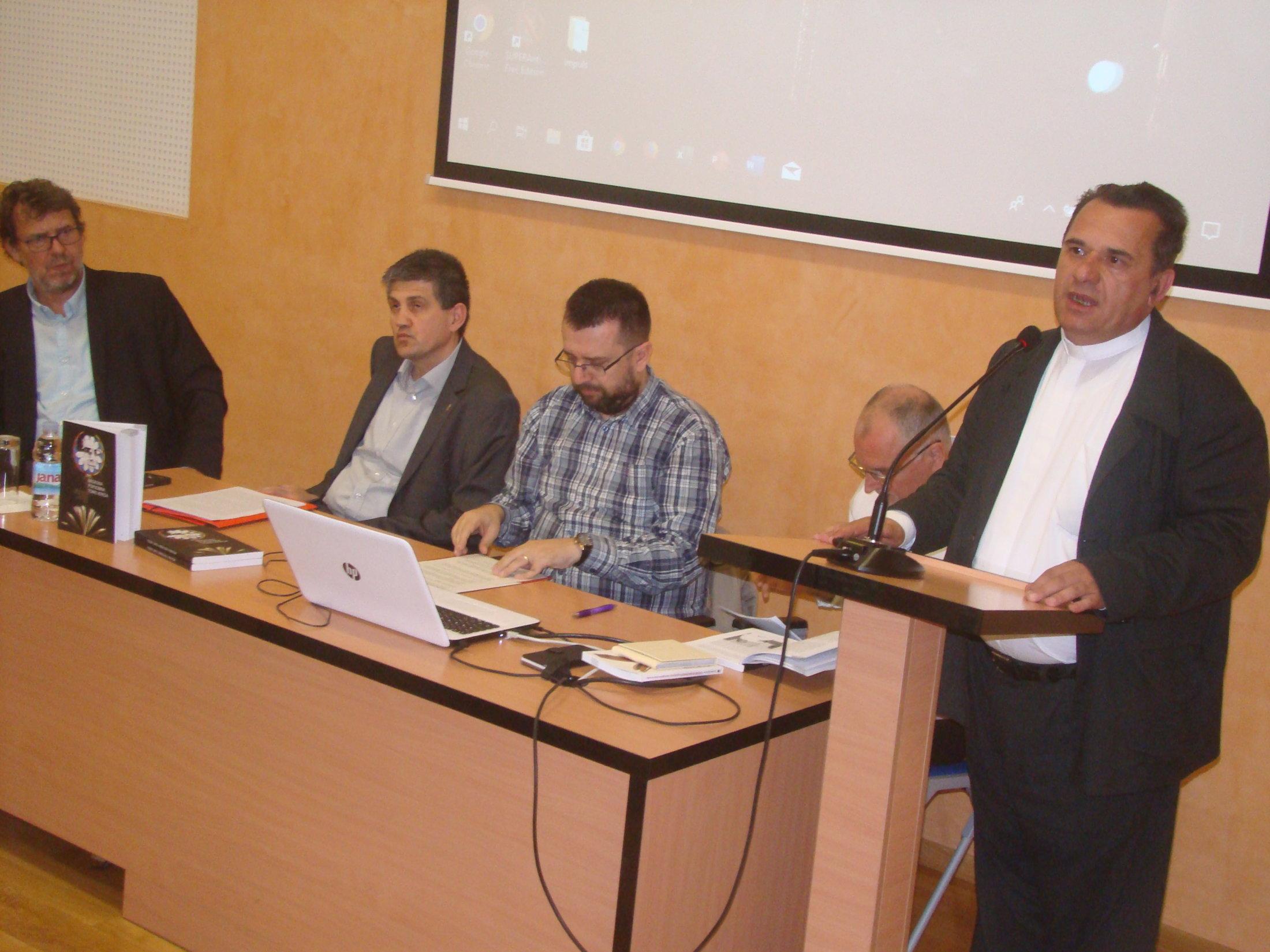 Mons.dr. Vladimir Dugalić Otvara Predstavljanje Uvodnom Dobrodošlicom,Vikarijat Osijek,21.5.19.