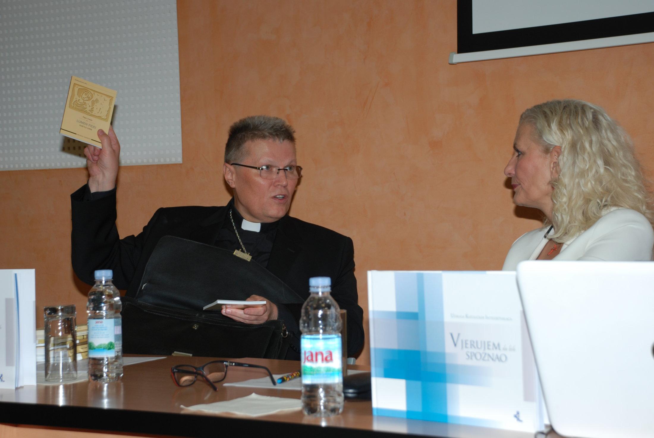 Nadbiskup Đ.Hranić U Obraćanju Intelektualcima, Vikarijat Osijek,15.11.19.